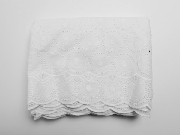 Broderie anglaise - Origine: Bénin - Africa Blooming